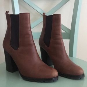 EUC Coach Odelle Sydney Leather ankle boots